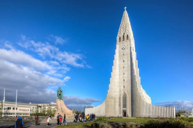 hallgrimskirkja-iceland-church-daylight